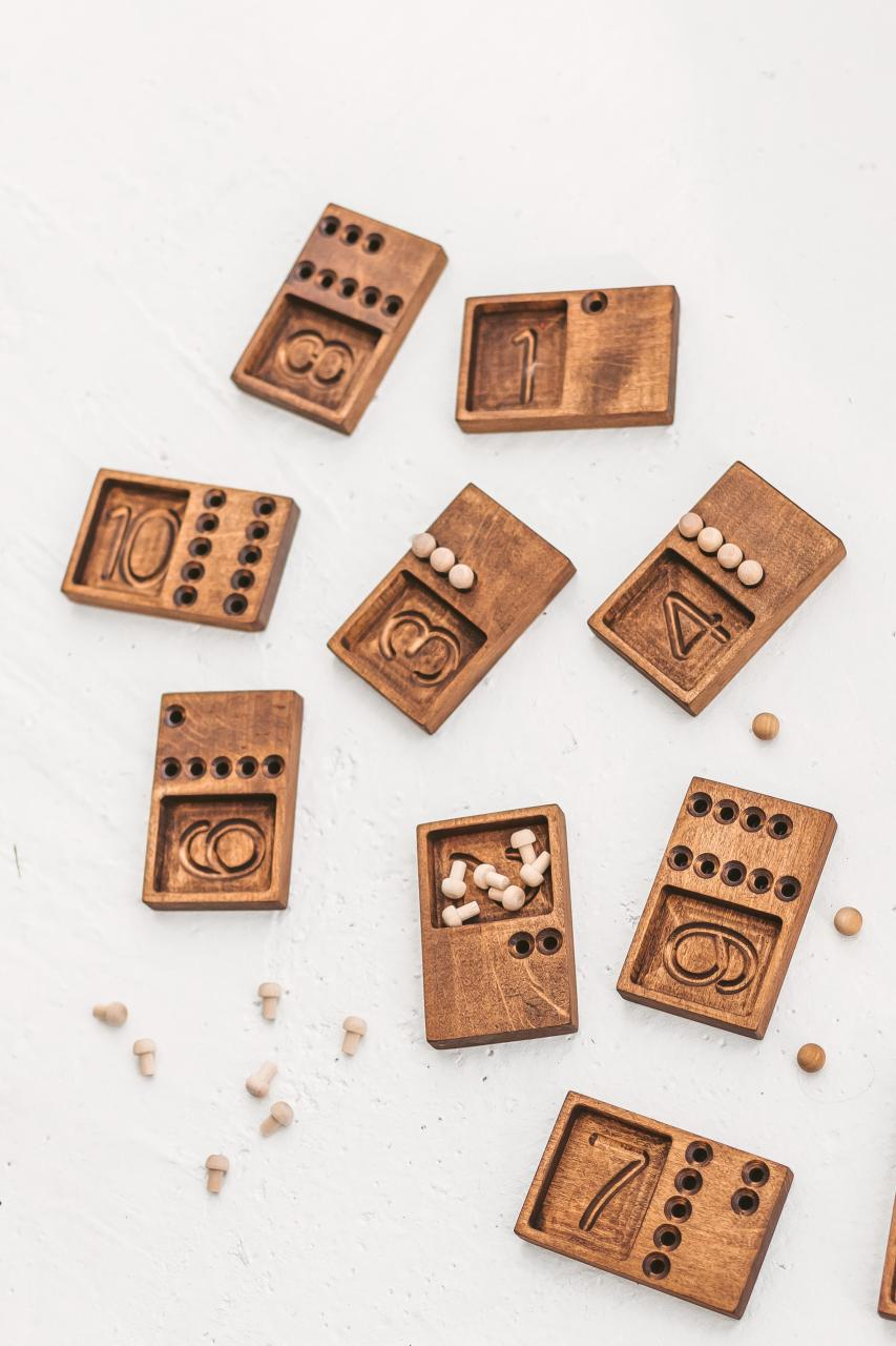 10 numbers and counting trays by Woodinout Montessori toys